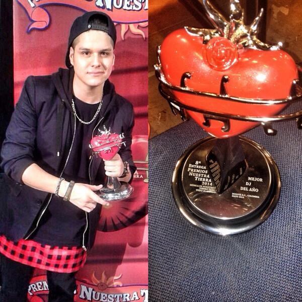 Ganamos mejor dj del año en premios nuestra tierra gracias a todos por su apoyo! :) !!!