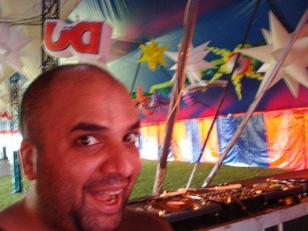 #TBT at @southwest4 in 2008 just before opening the @DJmag stage w/ @svenvaeth, @GreenVelvet_, @fknyc & @Jon_Rundell http://t.co/hYIYrVeEGX