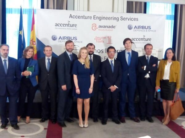 El equipo de @AccentureSpain  posa en nuestro desayuno. @Julio_J_PRIETO http://t.co/P0xY84T5VZ