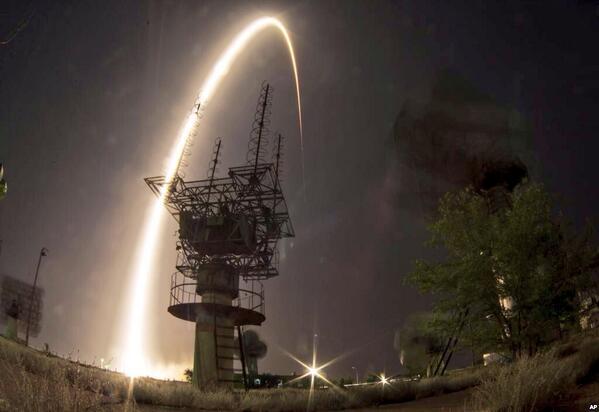 La trajectoire du Soyuz lancé hier soir. Visible jusqu'en orbite! http://t.co/R9IgOTahQD