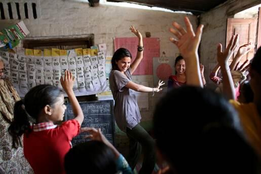 .@UNICEF Ambassador @selenagomez + students in #Nepal take time out from class to learn some new moves! @unicef_nepal http://t.co/WHKceV5eQO