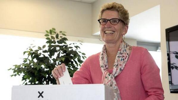 #Breaking: Kathleen Wynne leads Ontario Liberals to majority government http://t.co/IEEuACINux #voteON #ONpoli http://t.co/yscCNkkeKJ