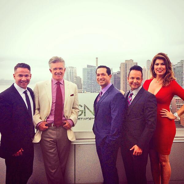 Sharon Depp (@SharonDepp): event @alan_thicke @TanyaThicke w/ @ItsTheSituation @marcsorrentino @frankiestylze #TheSorrentinos @TVGN http://t.co/rzVBC0iW3s