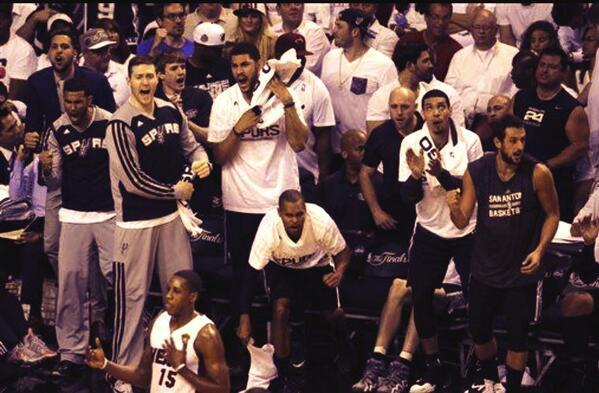 Carla Aranguren (@carladeportes): #Spurs vencen al #Heat 107-86 y están a 1 juego del 5to anillo, el que podrían conseguir en San Antonio el domingo. http://t.co/wr8DaDolXt