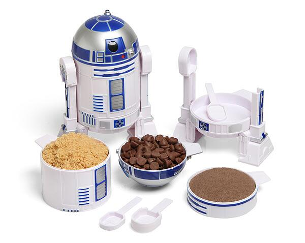 R2D2 has many uses...and this is how you cook like a TRUE Jedi! #starwars #food #geek - http://t.co/es6L4fCZwL http://t.co/6OqNGNiPrJ