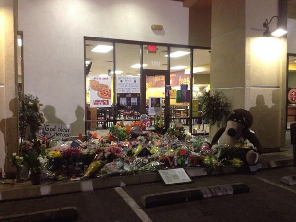 Very humbling scene tonight at the Memorial for the two Las Vegas Metro officers!  #Copparizzi http://t.co/8e9rhHBBhA