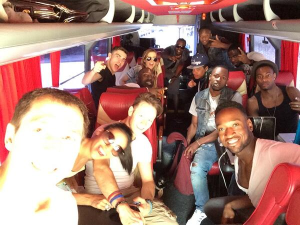 @FLASHMOBTOUR Manchester here we come! @keviclifton @karen_hauer @flawlessUK @AlleviateDance @BrosenaDance #tourbus http://t.co/Io9MY6aeML