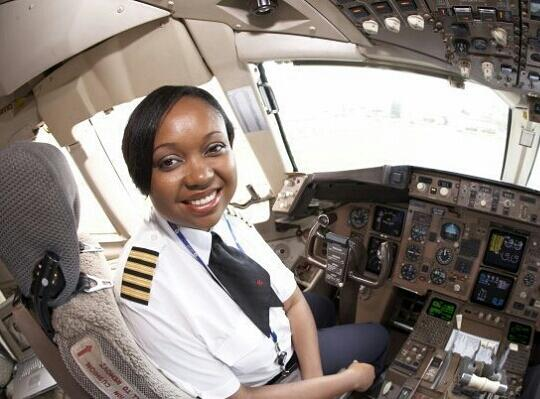 #WhyILoveKenya: Home to  Irene Mutungi, @KenyaAirways Pilot & the FIRST African female Boeing 787 Dreamliner Captain  http://t.co/BLofyBFjfz