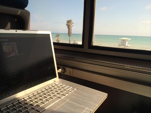 An office with a beach view #amtrak #btw add more #bike #parking #takelifebytherails http://t.co/r0khALbiGN