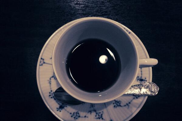 月が桶にうつるって、こんな感じだらうか http://t.co/lN4UNait0K