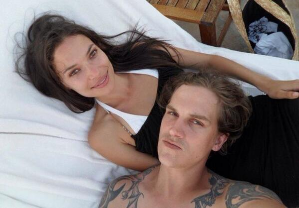 Happy Birthday to my wild & crazy husband @jaymewes!  Thanks for keeping me young the last 8 years! http://t.co/yPnd5COSrL