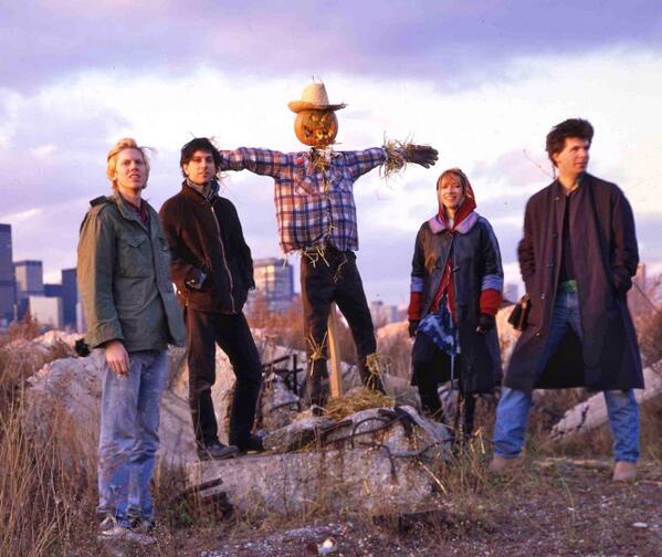 @thesonicyouth - Bad Moon Rising photoshoot (1984) http://t.co/PJ2HCfy9Qo