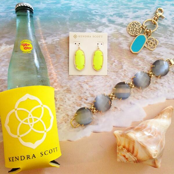Today in our #KSbeachbash giveaway - enter to win these featured jewels by re-tweeting this tweet! #giveaway http://t.co/cPMWou5ylZ