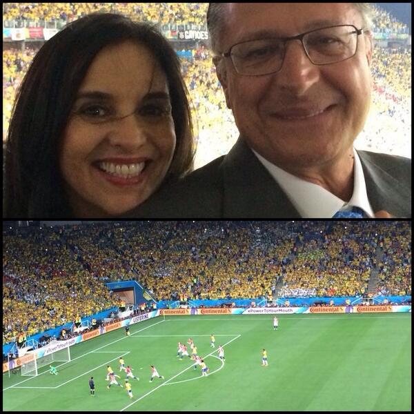 Com @geraldoalckmin_ , na torcida pelo Brasil na Arena @Corinthians! Emocionada ao ver a seleção brasileira em campo! http://t.co/GjcQuDvfdS