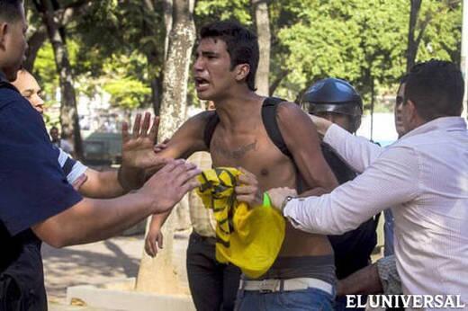 Marco Coello tiene que salir en libertad hoy. El país no aguanta tanta maldad en contra de este joven y su familia. http://t.co/UDud79W3EY