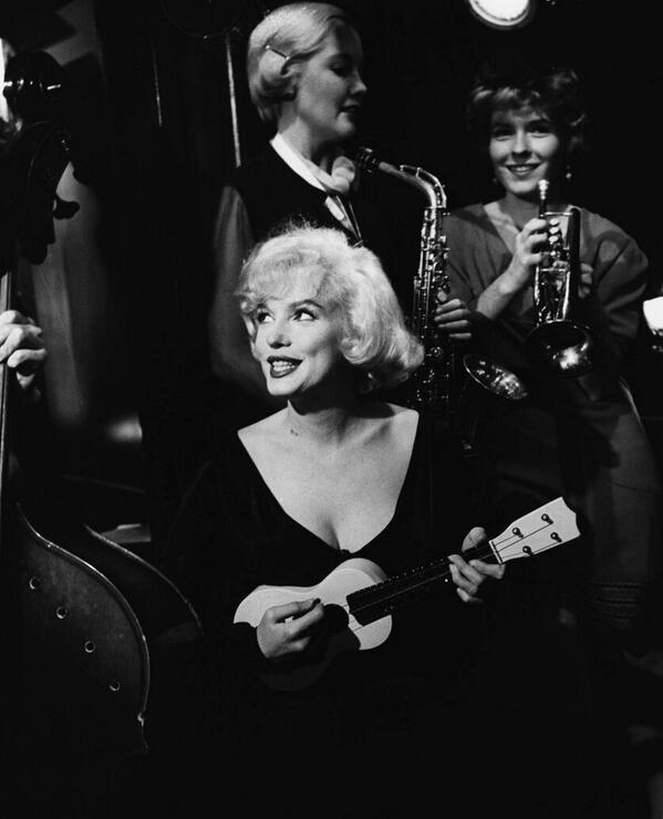 Happy Birthday Marilyn Monroe!! XX http://t.co/BZ4zOj1Dho