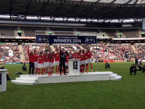 .@ArsenalLadies FA CUP WINNERS!!!!!! http://t.co/629I5sEXUR