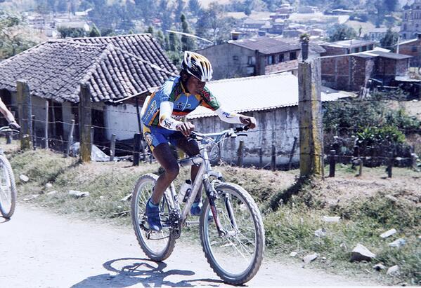 #Actualidad «De Boyacá a Francia: los primeros pedalazos de Nairo Quintana» http://t.co/kEaPP4DmEf http://t.co/T6eyhe2XPc