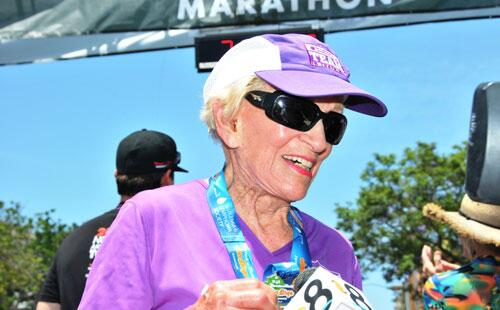 91-year-old marathoner, Harriette Thompson, finished #RnRSD in 7:07:42, a new record:  http://t.co/dprkALT1c1 http://t.co/8oIPaRyveg