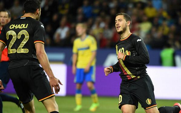 Eden Hazard celebrates with Nacer Chadli [via @BelgianFootball]