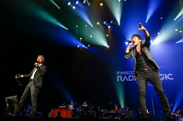 これ良い写真ですね。昨日のFM802開局記念日! FM802 25th ANNIVERSARY 802GO!  SPECIAL LIVE『RADIO MAGIC』感想書きました! http://t.co/LFQCptiX71 http://t.co/he081NMz78