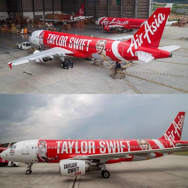 More pictures of Air Asia's new plane for Taylor's Asian tour! http://t.co/SlyDpVfHet