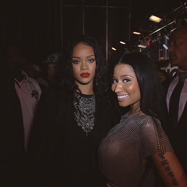 """""""@TeamMinaj: Rihanna & Nicki Minaj at Summer Jam 2014. #Rinaj http://t.co/Fc67bDiXHR"""""""