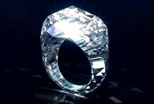 Believe it or not, this ring is made from a solid diamond and is worth 70 million dollars! http://t.co/dg4MOfb9z7