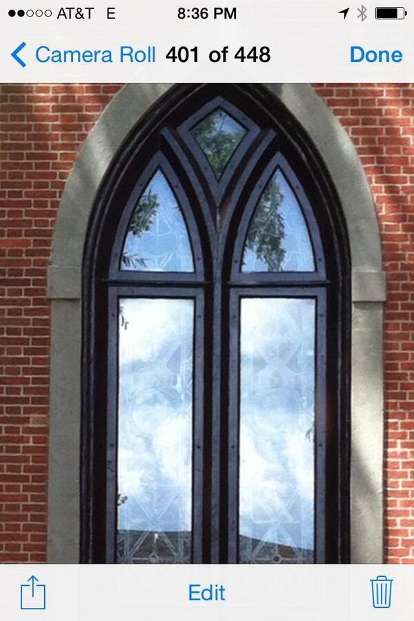 Ghost in the windows (New Bern NC) http://t.co/nJ5q35RdVh