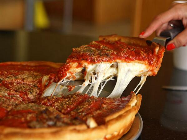 Oh gawd I want deep dish Chicago pizza so badly, damn you, @nickdk http://t.co/hyXmHSNM30 http://t.co/rtnuPdkAiv