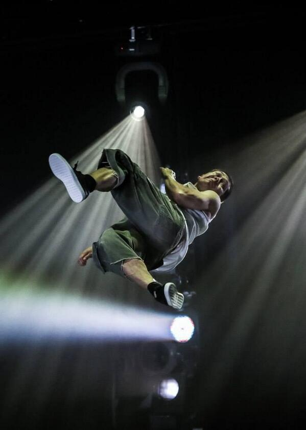 Last 6 days to watch @FLASHMOBTOUR at @Sadlers_Wells Peacock Theatre #butterflykickfulltwist http://t.co/NY4KZUJR29