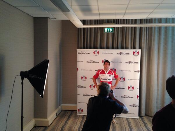 Here's the new signing for @gloucesterrugby - @hookjameshook http://t.co/SsmmMM27Z8