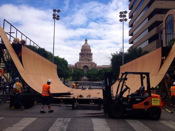 Work is moving along on a giant halfpipe smack in the middle of downtown Austin for the @xgames. http://t.co/KDtBXlOgFP