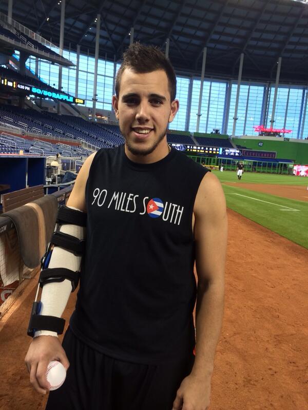 Jose Fernandez picks up a baseball #Marlins http://t.co/vi5HlMnWYP