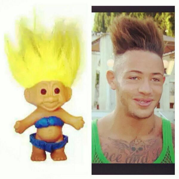This guys hairstyle sums up all the lads on #ExOnTheBeach #bells http://t.co/WPh1JTOqzh