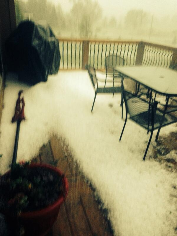 Andrea Butera (@AndreaButera): @JimCantore Hail accumulation in Council Bluffs, IA! RT @WineKristin #councilbluffs #hail http://t.co/MIpt0BqZ5l
