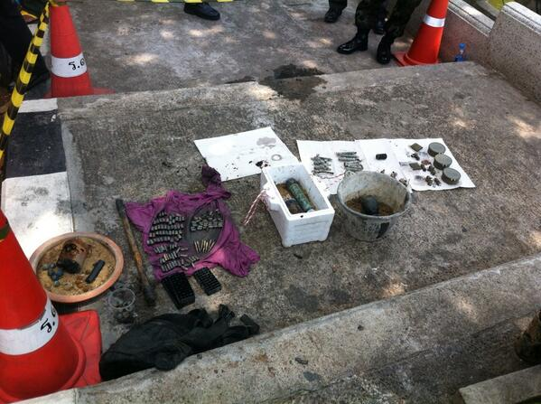 2PM Joint forces of soldier, EOD, rescuers, police officers found used weapons, a corpse in canal near Govt house http://t.co/Z0x7Ob6zbt