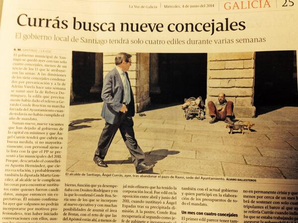 Solo un fotoperiodista como Álvaro Ballesteros es capaz de retatar así una búsqueda desesperada. En @lavozdegalicia http://t.co/6g88ONgSgK