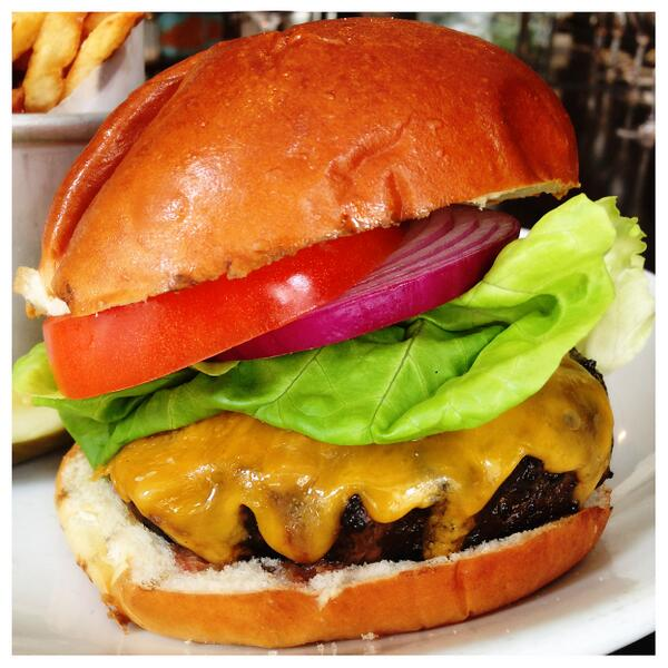 BEEFY! Try our Classic Burger w/ our special blend ground beef topped with smokey onion jam. #classic #foodporn #yum http://t.co/Ph58Fxn6d6