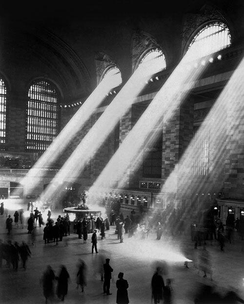 Grand Central Station, NYC, 1941 http://t.co/DP56uKWEON