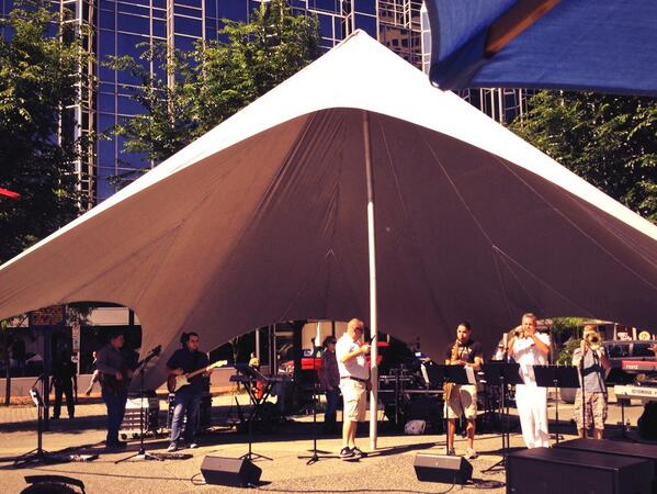 The Navy Band just finished sound check and will be on at 11:30 today! #NavyWeek http://t.co/7I9m7Bux2c