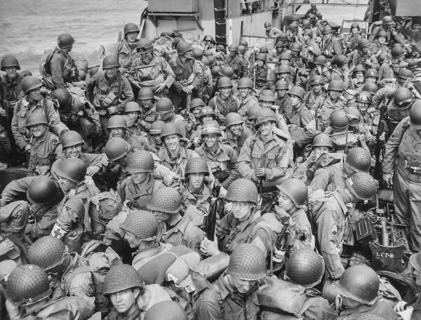 US Army troops waiting for rendezvous to begin the invasion of France.#DDay70 #GCI exhibit: http://t.co/zXJ0jJoqJY http://t.co/SDWPCmB0k9