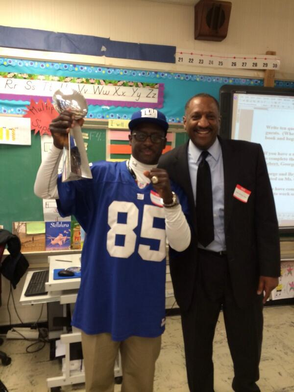 test Twitter Media - NY Giants wide receiver Stephen Baker with  #ChiSigma Chapter President Cedric Ashley at Career Day Stillman School. http://t.co/VIfWPgGy7E