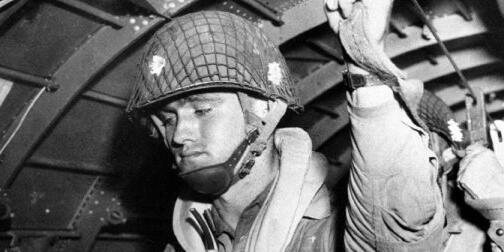 17,000 British & American glider & paratroopers drop behind enemy lines. #OnThisDay [12:15 am at #Normandy] http://t.co/SdpwwnB7fZ