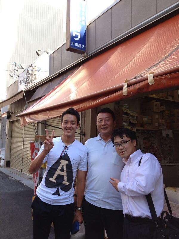 今日は柳橋中央市場のナルカワ商店にきましたー(^^)  ジュニアユース時代の同級生のお家の店で、久々に会ったけど.... やっぱ名古屋大好きだなあー(^O^) http://t.co/uB200T1K8L