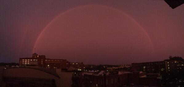 never seen a #rainbow like this one in #atlanta right now http://t.co/AlscUbxc7i