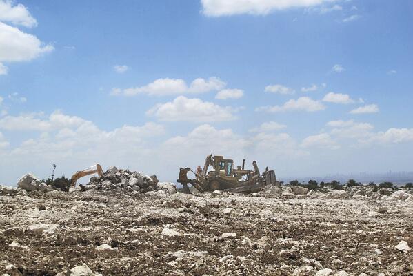Israel building farm on Palestinian land http://t.co/hR3L6ww1n7 http://t.co/GV8r02Piki