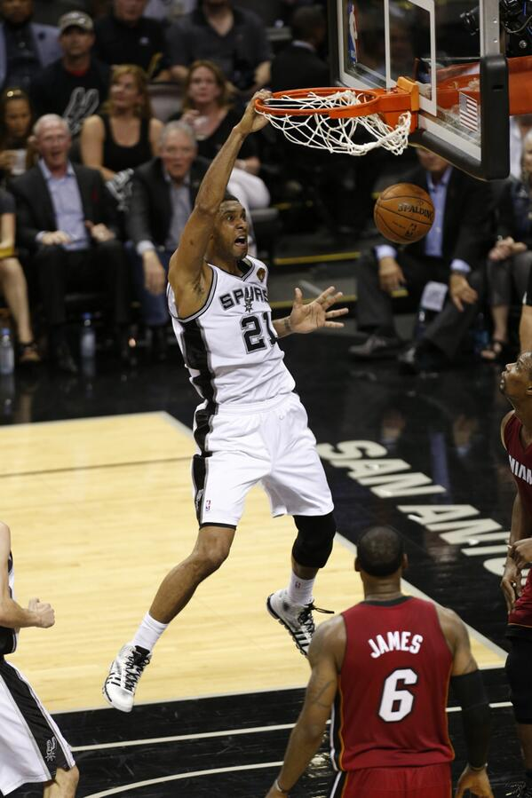 Tim Duncan dunks during Game One [via @NBA]