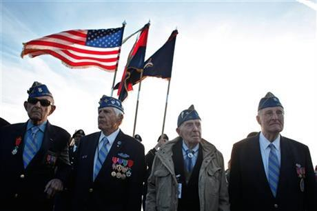 Love this picture of WWII veterans from Omaha Beach today #DDay70 http://t.co/DsPhpy3iEd