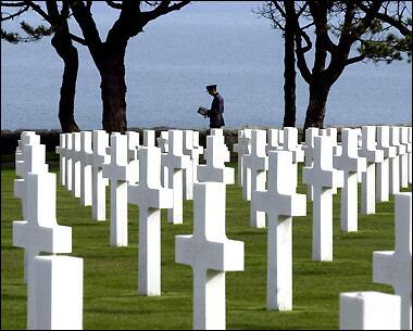 Remembering our incredibly brave heroes. We don't owe them a lot … We owe them everything.  #LestWeForget #DDay70 http://t.co/Rv5Qg9fOOJ